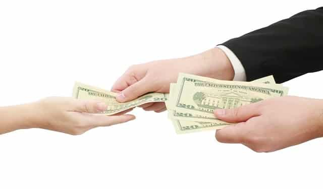 Tipping Etiquette for a Moving Job 1